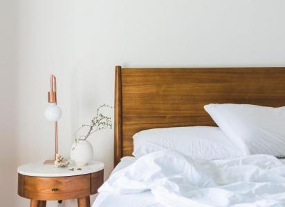oswietlenie-w-sypialni-lampa-3